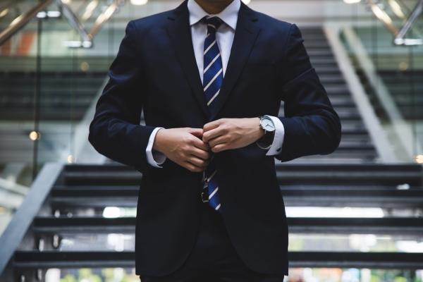 電通の評判と離職率、勤続年数【ブラック企業に転職しない方法】