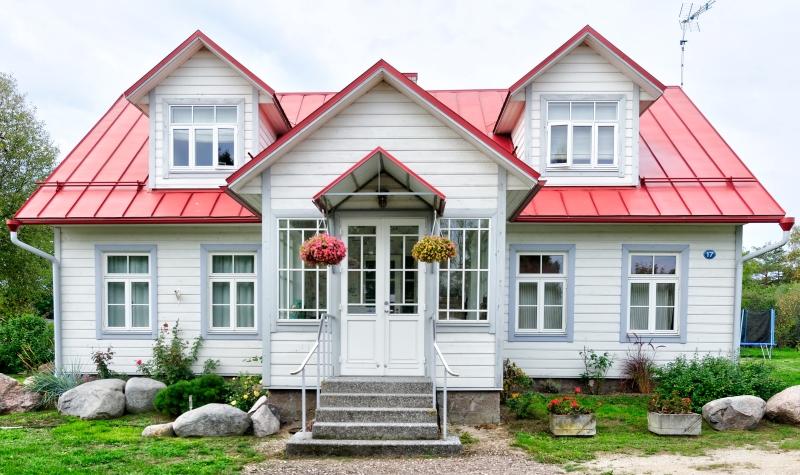 屋根塗装の見積もり方法と費用相場【塗料、おすすめ時期、単価も解説】