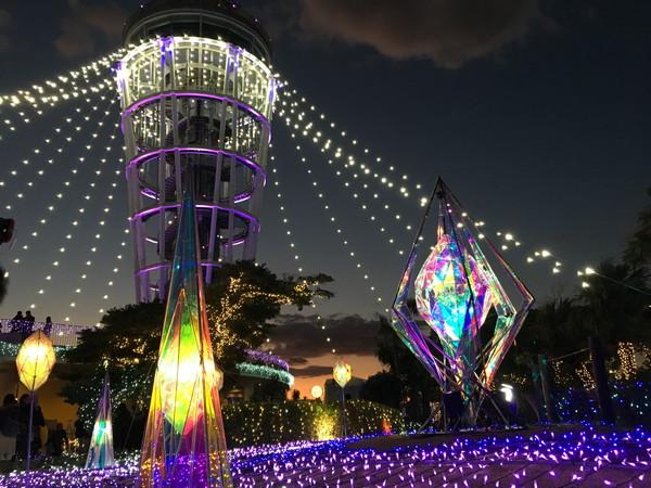 江ノ島シーキャンドルのライトアップ夜景